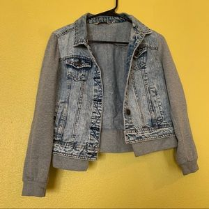 hybrid denim jack with sweater sleeves small